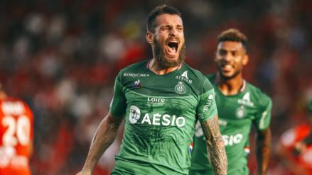 Con Miguel Trauco en banca, Saint Etienne venció 1-0 al Nimes por la fecha 8 de la Ligue 1