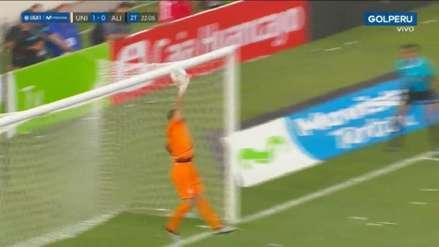 ¡Por poquito! Joazhiño Arroé casi marca el empate para Alianza Lima en el clásico ante Universitario
