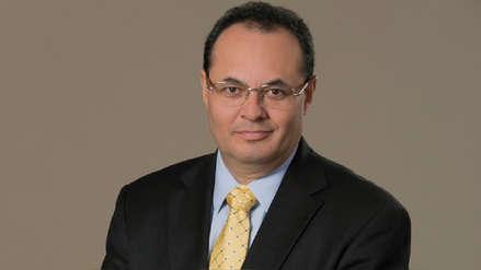 Luis Carranza Ugarte, ex ministro de Economía acude a  Palacio de Gobierno