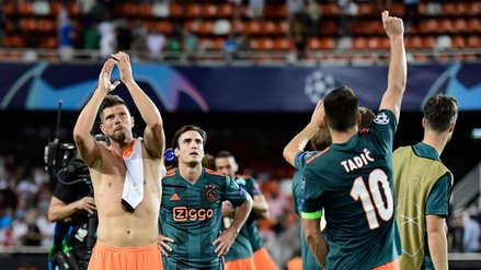 ¡Y de visita! Ajax goleó 3-0 al Valencia en el estadio Mestalla por la Champions League