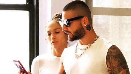 Maluma y Jennifer Lopez son pareja en la comedia romántica