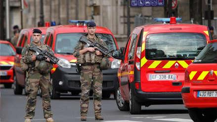 El asesino de cuatro policías en Prefectura de París tuvo alucinaciones la noche anterior, según su esposa