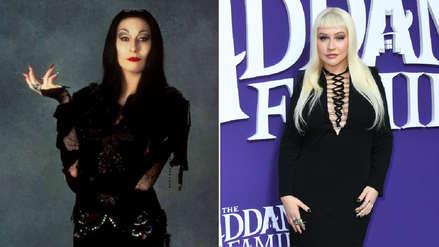 ¿Quién lo usó mejor? Christina Aguilera canalizó a Morticia en el estreno de