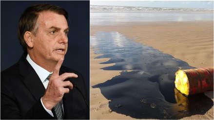 Bolsonaro culpa a otro país por las misteriosas manchas de petróleo en más de 130 playas de Brasil