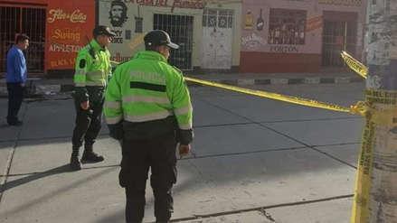 Huaral   Tres personas fueron asesinadas a balazos mientras comían en restaurante