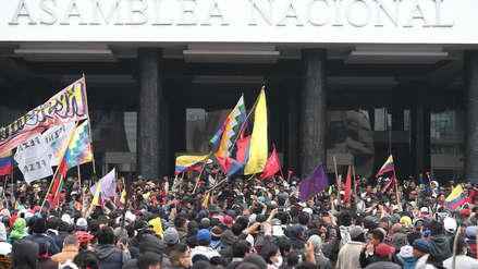 Ecuador: Manifestantes intentaron tomar la Asamblea Nacional al grito de