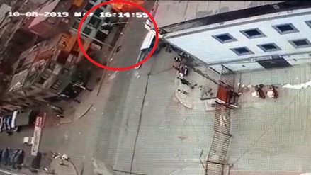 Video captó momento de la explosión de balón de gas en restaurante de La Victoria