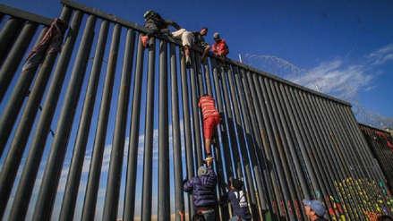 Estados Unidos detuvo a casi un millón de migrantes en frontera con México en un año