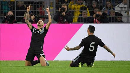 Lucas Ocampos hizo gol en su debut con Argentina y consiguió el empate a cinco minutos del final