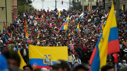 Así se desarrolla la multitudinaria marcha indígena hacia el centro de Quito [FOTOS]