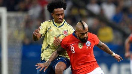 ¡Así defiende! Arturo Vidal se lució con gran quite ante Juan Cuadrado en el Chile vs. Colombia
