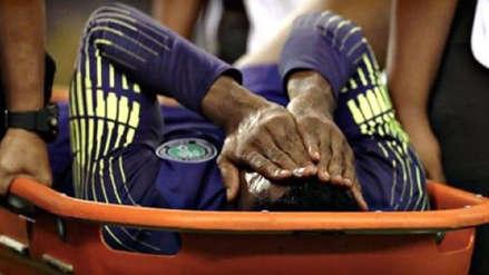 Arquero de Nigeria sufrió terrible lesión a la rodilla en partido ante Brasil