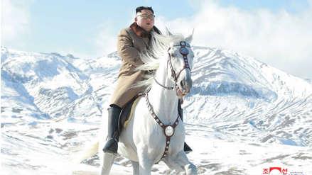 Las curiosas fotos de Kim Jong-un cabalgando en un monte sagrado desatan rumores en Corea del Norte