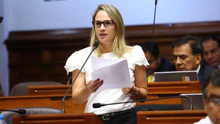 Luciana León y asesora habrían recibido