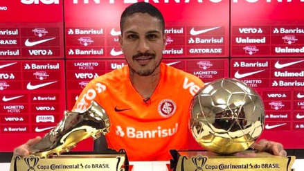 Paolo Guerrero recibió premios a mejor jugador y goleador de la Copa de Brasil
