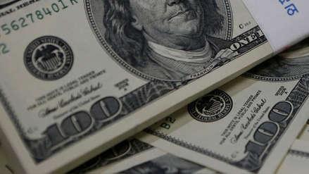 Dólar cae al cierre de este miércoles