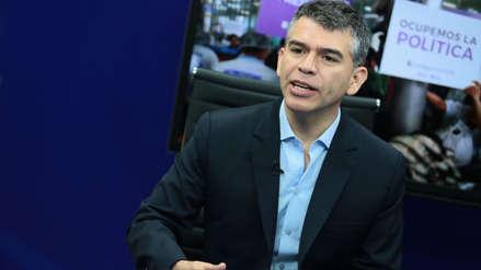 Julio Guzmán anuncia que el Partido Morado participará sin alianzas políticas en elecciones parlamentarias