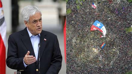 El presidente de Chile pide la renuncia de todos sus ministros tras histórica marcha en su contra