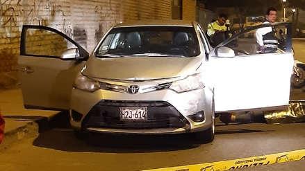 Un hombre fue asesinado a balazos cuando manejaba su vehículo en Ate