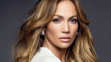 Jennifer Lopez contó que sufrió acoso de un director que le pidió que se quitara el polo