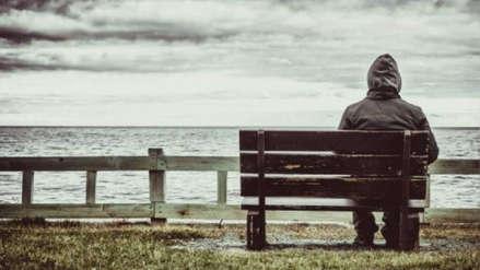 Pasar tiempo solos afecta comportamiento social y va en aumento, según estudio
