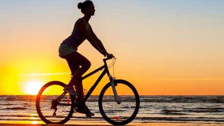 ¿Quieres quemar calorías? Manejar bicicleta podría ayudarte con este objetivo