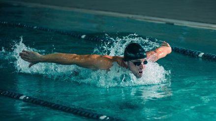 Hombro del nadador: ¿Qué es y qué debemos tener en cuenta?