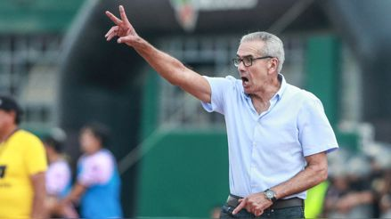 Fútbol como Cancha   Escucha las palabras de Gregorio Pérez desde Uruguay [Audiogalería]