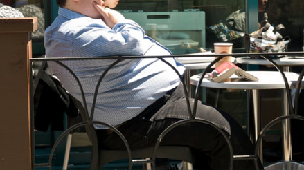 """Los hombres obesos se han convertido en víctimas """"muy frecuentes"""" de la COVID-19"""