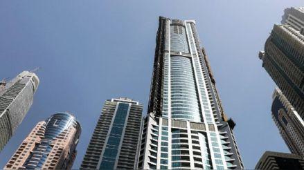 Dubái prepara 3 000 camas para enfermos de COVID-19 en un lujoso rascacielos