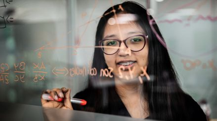 Conoce a Carla Fermín, ganadora de la Olimpiada Europea de Matemáticas en medio de una pandemia