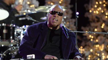 Stevie Wonder cumple 70 años: De niño prodigio a genio de la música comprometido con causas sociales