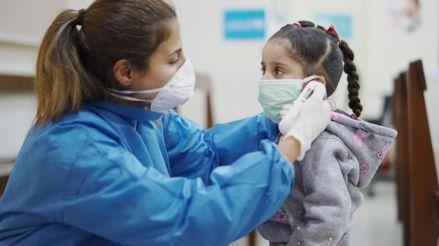 Coronavirus en niños: ¿Cuáles son los síntomas y cómo es la atención de emergencia de pacientes pediátricos?