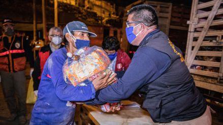 Entregan canastas de alimentos a familias vulnerables de Comas y Villa El Salvador [FOTOS]