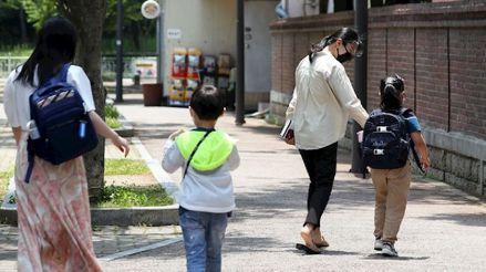 Corea del Sur reducirá el número de alumnos en las aulas ante el repunte de casos