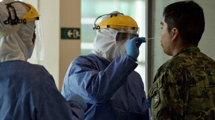 Ecuador reanuda vuelos comerciales y reduce toque de queda en medio de pandemia