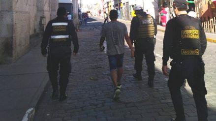 Paciente con la COVID-19 que incumplió cuarentena fue detenido en una calle de Arequipa