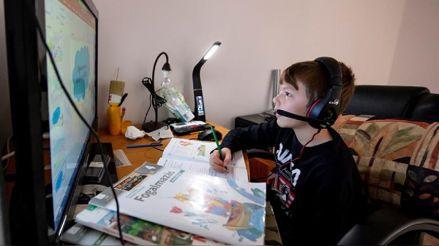 Clases virtuales: Cinco recomendaciones para mejorar la relación padre-docente en el aprendizaje infantil