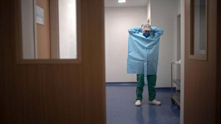 """Enferma grave de COVID-19 fue sometida a un doble trasplante de pulmón: """"¿Cómo llega hasta allí una mujer veinteañera sana?"""""""