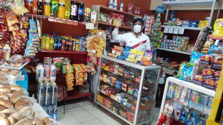 Mario Ari: el policía que ayuda a su comunidad con productos a precio de compra