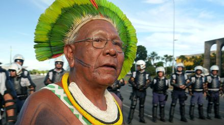 Brasil lanza una misión para proteger a indígenas en aislamiento ante la COVID-19