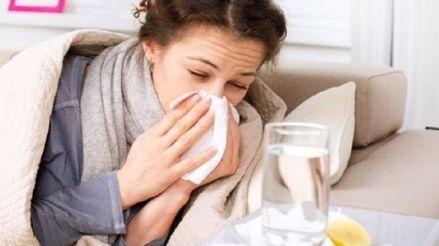 Coronavirus: ¿Cómo diferenciar la COVID-19 de una gripe o resfrío durante el invierno?