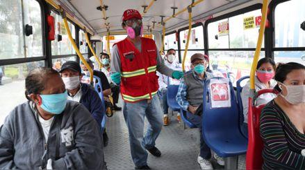 Pasajeros deberán ir con mascarilla y protector facial en buses, anunció Martín Vizcarra