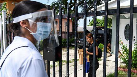 EE.UU. en riesgo de llegar a 100 mil casos diarios si no toma medidas, advierte experto del Gobierno
