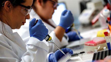 En busca de un arma contra la COVID-19: Así va la carrera para encontrar una vacuna segura y eficaz