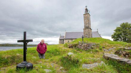 Irlanda: sacerdote vive confinado en solitario en una isla considerada sagrada [FOTOS]