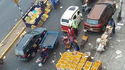 La Victoria: ambulantes y camiones han tomado varias cuadras de la avenida Circunvalación [VIDEO]