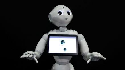 """""""COVID robocop"""": Este robot te recuerda que debes usar tu mascarilla"""
