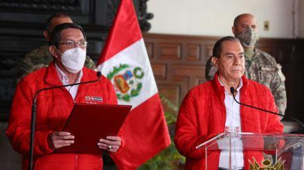 """Ministro de Defensa: Llamadas de Merino a las FF.AA. """"fueron imprudentes y colisionan con el orden democrático"""""""