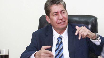 Eloy Espinosa-Saldaña: El TC tiene el poder de paralizar el trámite del proceso de vacancia presidencial